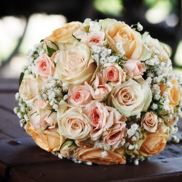 wedding-flower-by-plush-event-planning