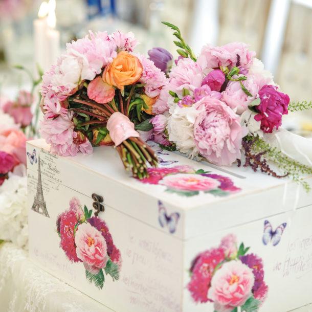 wedding cake event decor